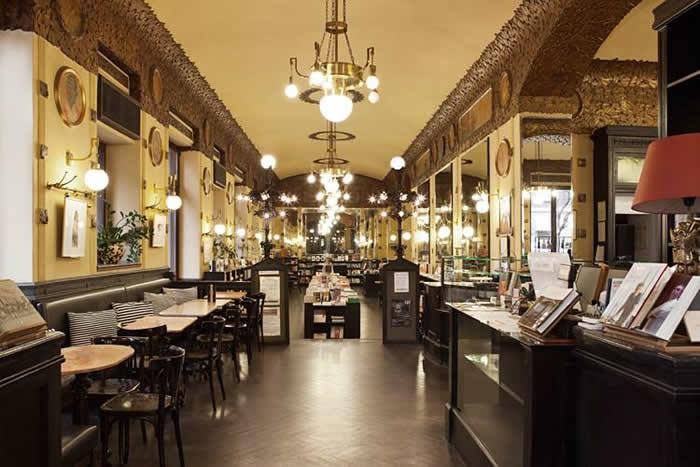 Caffè San Marco à Trieste, restaurant et librairie