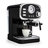 rétro avis de la machine à café INTUITIVE: la vapeur peut être contrôlée intuitivement à l'aide d'un gros bouton, la buse mobile et la buse d'eau chaude préparent la mousse de lait pour le cappuccino ou d'autres spécialités en un instant.
