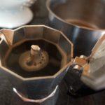 Comment préparer un café parfait et énergique avec du moka