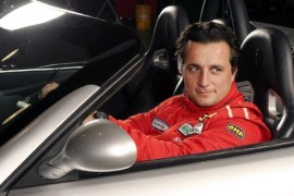 <pre><pre>Costantino Bertuzzi pilote et entrepreneur de Dubaï nous dit