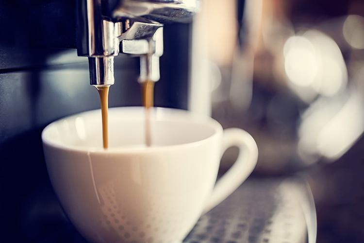 (Machine à café expresso Une longue histoire de plus de 100 ans)