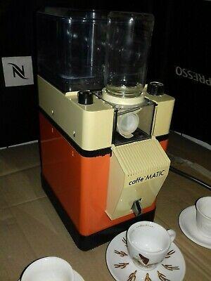 MACHINE À CAFÉ LIOFILISÉE AVEC MOULIN À CAFÉ - boîte de travail