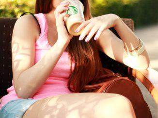 Travail: Starbucks embauche à Turin et sélectionne le personnel, les barmans, les directeurs et les serveurs