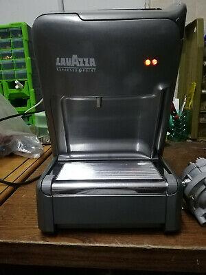 machine à café lavazza EL 3200 + 100 capsules d'espresso. Crèmes et arômes originaux