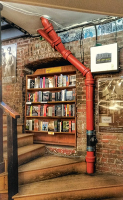 L'intérieur de la librairie City Lights, fondée en 1953 (ph. Federica Maule)