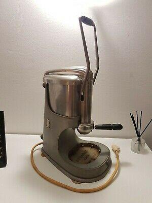 Machine à café vintage de 60 ans