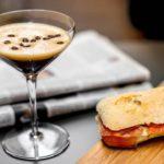 Café secoué préparé à la maison: la recette du café froid