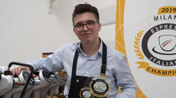 """<pre><pre>Le bébé barista de l'échantillon raconte: """"Je serai l'ambassadeur du café italien dans le monde"""""""