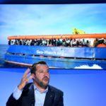 Matteo Salvini se fâche contre les ONG et laisse les trafiquants et les passeurs non perturbés