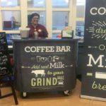 Pour augmenter la production de lait, les produits laitiers soutiennent les groupes de lycées, les cafés Notizia