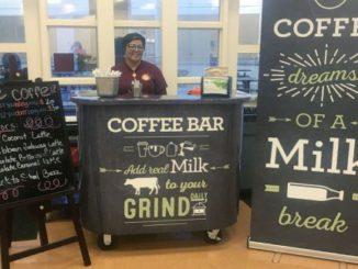 Per aumentare il latte, i latticini supporto di gruppi di alta scuola, i bar caffè Notizia