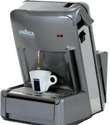 MACHINE À CAFÉ LAVAZZA CAPSULE EXPRESSO POINT EL 3200 PROFESSIONAL