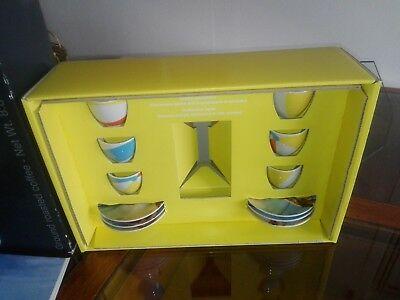 Ensemble de tasses décoratives publicitaires de la collection Caffè Illy Marina Abramovic