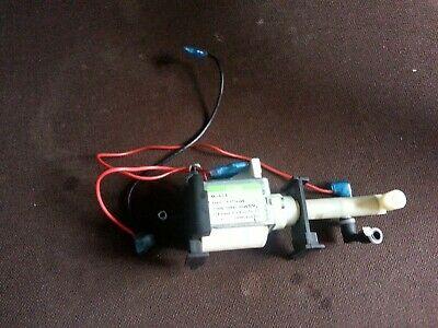 Machine à café Electrolux Lavazza A Remplacement de pompe à eau Mode Mio