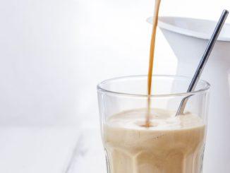 La recette du café grec secoué l'été