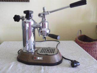 MACHINE À CAFÉ la pavoni 1977 - 81,00 EUR