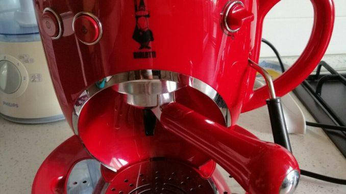 <pre><pre>Machine à café espresso Tazzona Bialetti Cf36 - 30,00 EUR