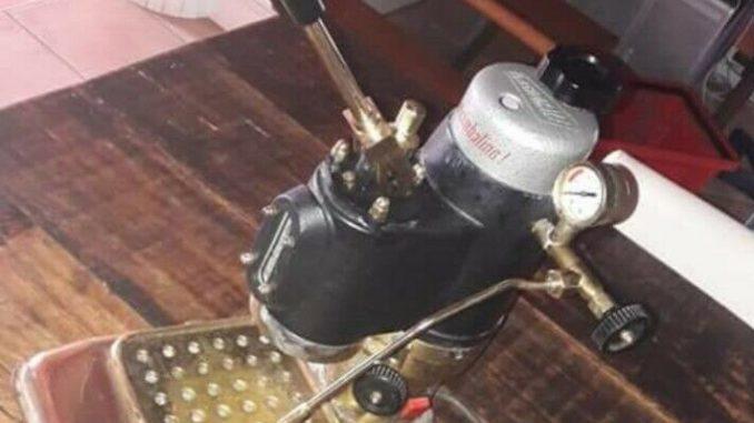 <pre><pre>LA CIMBALI MACHINE coffee cimbale - 140,00 EUR