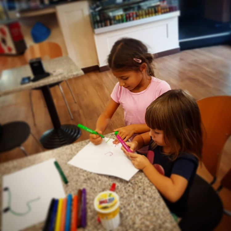 Médias de shanet87: Les petits designers grandissent ... #malefica #satanina #adorable #baby #child #children #childrenphot