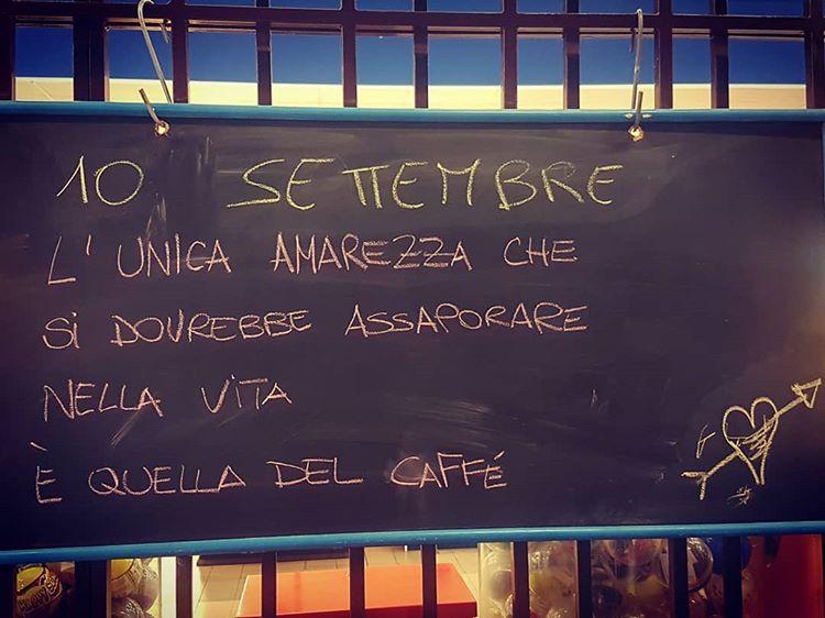 shanet87 & Media: Par @bisbeticaindomata # café #café #italy #coffeetime #déjeuner # bon #bar #food #colazio
