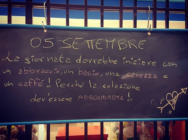 Les médias de shanet87: DEVRAIENT ... #abbraccio #bacio #carezza #coffee #italy #coffeetime #breakfast #love #coffee #instagoo
