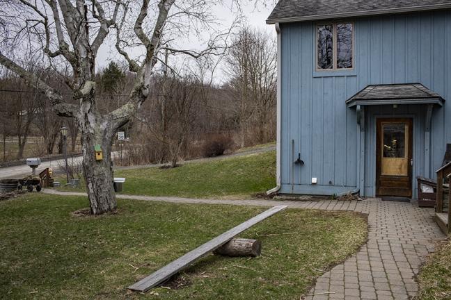 Une des maisons du village