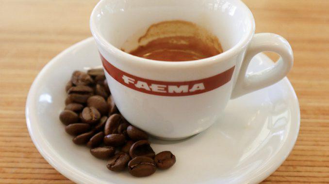 <pre><pre>Journée internationale du café: aux kiosques Tram Depot de Rome, le café est une spécialité et la dégustation offerte par la maison