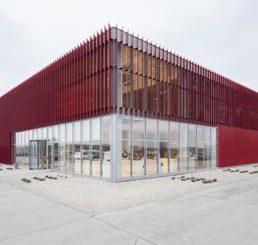 Les italo-allemands Heim Balp Architekten repensent la société de café en Roumanie
