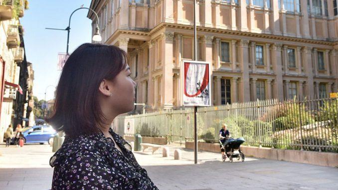 """<pre><pre>""""Turin? C'est"""" beau """"mais ça lutte la langue"""": une journée avec Sitong Wu, une étudiante chinoise en ville pour étudier en tant que manager:"""