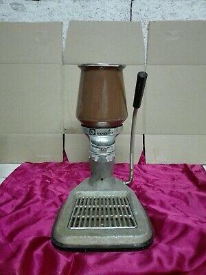 Machine à café à levier La Peppina sans paons Gaggia Faema utilise des pièces de rechange.