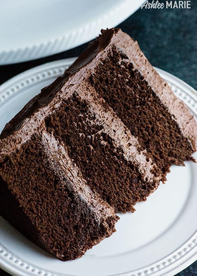 La recette de gâteau au chocolat parfaite - riche, dense et incroyablement humide