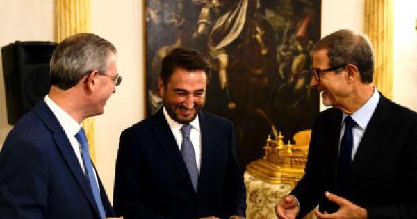 <pre><pre>Musumeci, Cancelleri et ce café jamais consommé auparavant: comment les relations entre Rome et Palerme changent