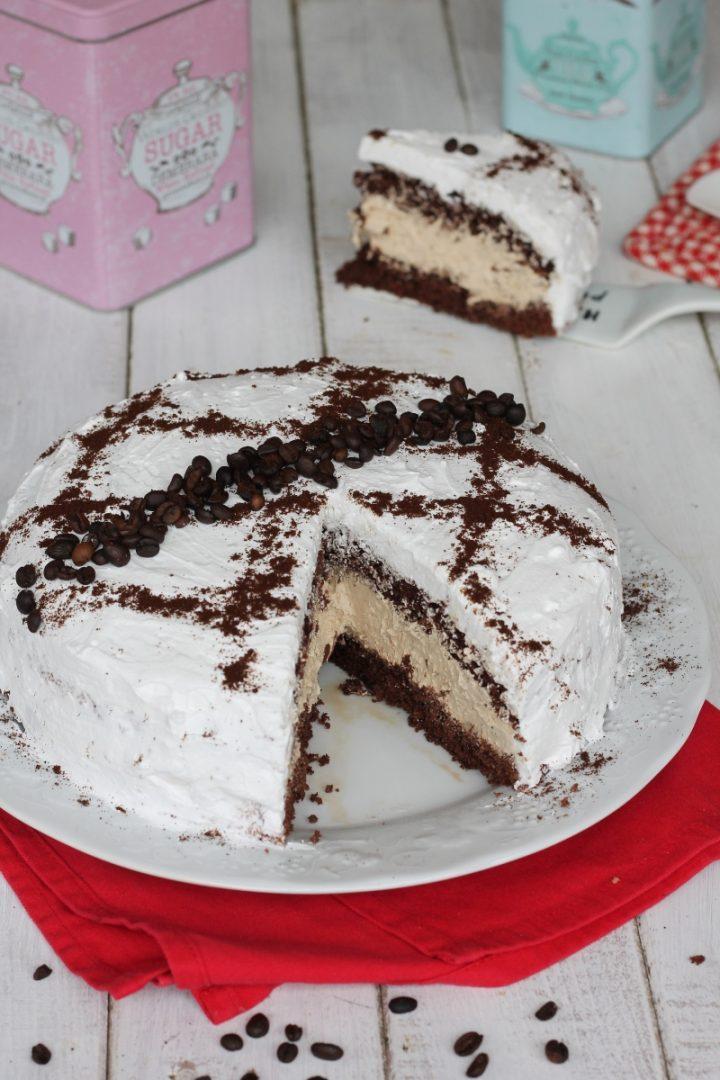 Gâteau au chocolat avec crème au café | Recette de gâteau au cacao avec crème paradis