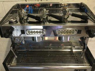 SAB HIGH 2 Machine à café commerciale Barista Espresso du groupe, remise à neuf - 1 599,00 $