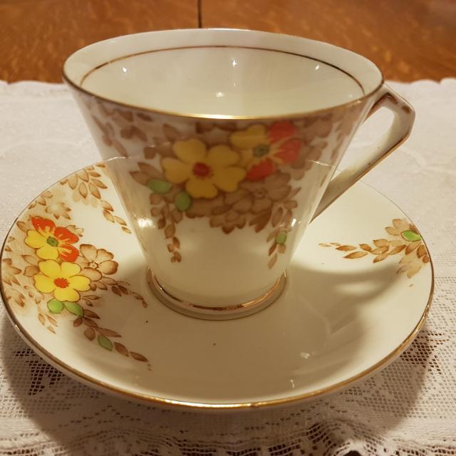 Ensemble de belles tasses à thé Victoria Cartwright Edwards C E peintes à la main