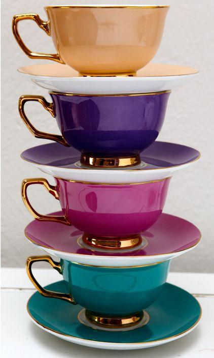 J'aime les couleurs très lumineuses et joyeuses pour les pots de tasses à thé Pinterest