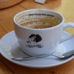 K tasse de café et de cappuccino