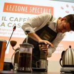 Le café que vous n'attendez pas entre les filtres, les plongeurs et les cônes en papier