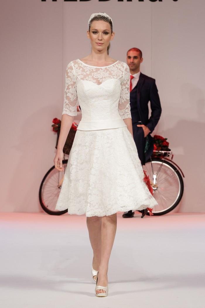 MAE Vintage manches courtes robe de mariée en dentelle de thé