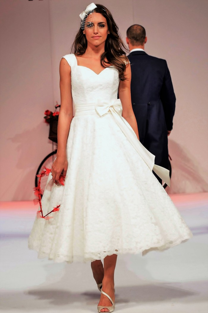 """national_wedding_show_feb2014_london_catwalk_2_048 """"width ="""" 683 """"height ="""" 1024 """"srcset ="""" https://www.cuttingedgebrides.com/blog/wp-content/uploads/2016/10/national_wedding_show_feb2014_london_catwalk_2_0484850.w7_5048: // tingedgebrides.com/blog/wp-content/uploads/2016/10/national_wedding_show_feb2014_london_catwalk_2_048-250x375.jpg 250w, https://www.cuttingedgebrides.com/blog/wp-content/uploads/2016/10/national_wedding_show_20_048 120w, https://www.cuttingedgebrides.com/blog/wp-content/uploads/2016/10/national_wedding_show_feb2014_london_catwalk_2_048-972x1458.jpg 972w """"tailles ="""" (largeur max: 683px) 100vw, 683px """"/>  <p id="""