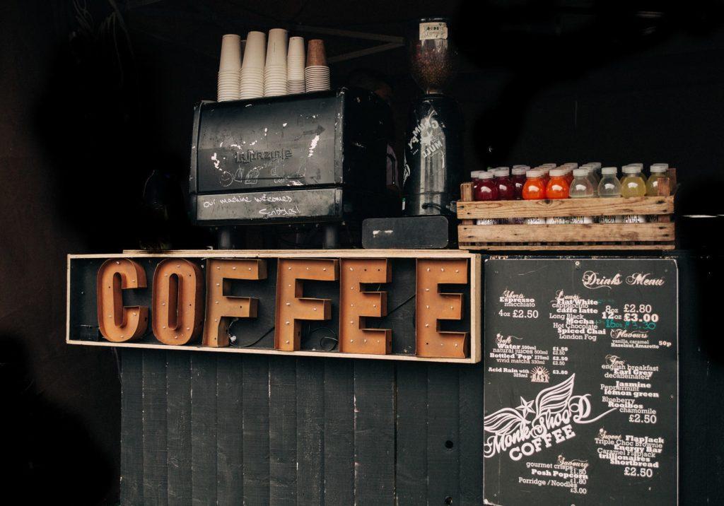 machine à espresso et cappuccino rétro