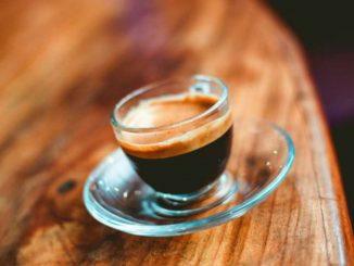 Café à la crémine comme au bar: comment le faire à la maison