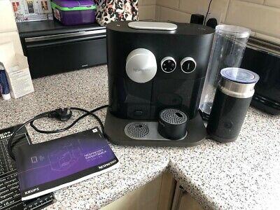 Machine à café et à lait Nespresso XN601840 Expert par Krups - Noir