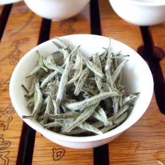 thé blanc à l'aiguille d'argent pour le diabète