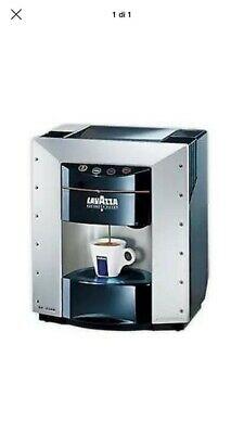 Machine à café Ep 2100 Lavazza Pininfarina d'occasion régénérée garantie 3 mois.
