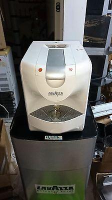 Machines à café à capsule Lavazza EP950 NE FONCTIONNANT PAS À RÉVISER