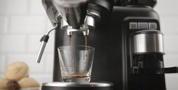 "best-coffee-machine ""width ="" 600 ""height ="" 305 ""data-src ="" https://www.casaegiardino.it/images/2020/06/migliore-macchina-caff%C3%A8-_004-600x305 .jpg ""data-srcset ="" https://www.casaegiardino.it/images/2020/06/migliore-macchina-caffè-_004-600x305.jpg 600w, https://www.casaegiardino.it/images/2020 /06/migliore-macchina-caffè-_004-800x407.jpg 800w, https://www.casaegiardino.it/images/2020/06/migliore-macchina-caffè-_004-768x390.jpg 768w, https: // www .casaegiardino.it / images / 2020/06 / meilleure-machine-à-café-_004.jpg 1200w"