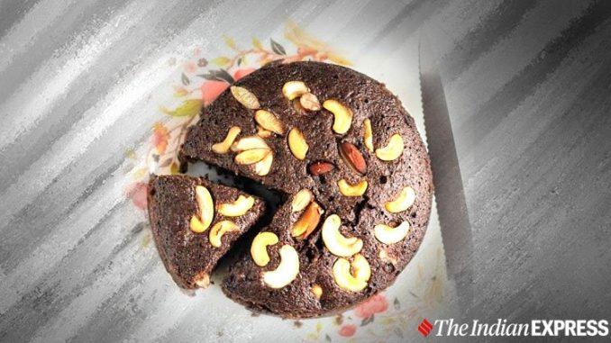 Cuire le gâteau sooji au chocolat sans œufs dans une cuisinière; voici la recette