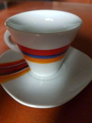 6 tasses à café avec soucoupes DÉTAILS DE L'AUTEUR
