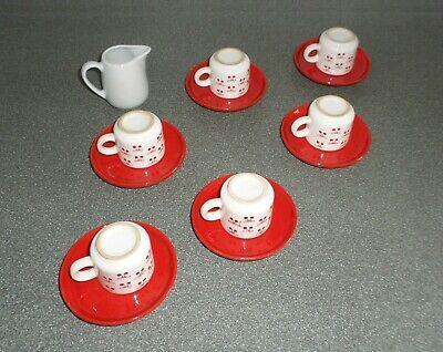 Service à café de six tasses avec soucoupe et pot à lait